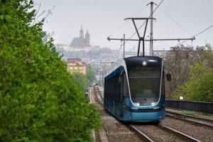 http://bi.gazeta.pl/im/18/36/f8/z16266776M,Wizualizacja-tramwaju-dla-Krakowa.jpg