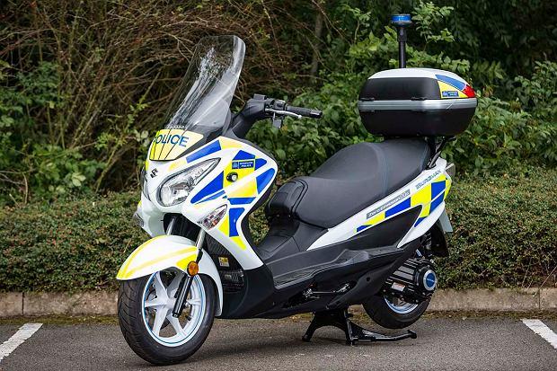 Nowa broń w rękach londyńskiej policji. Wodorowe skutery!