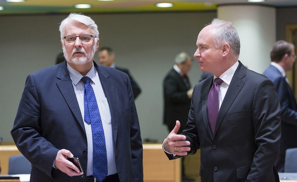 Ambasador Jarosław Starzyk i minister spraw zagranicznych Witold Waszczykowski w Brukseli, 15.05.2017