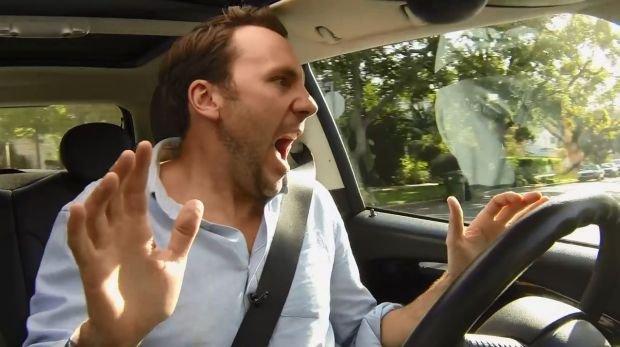 Auto sterowane g�osowo telefonem | Wideo