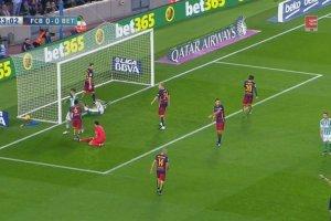 Messi znokautowany, ale Barcelona i tak wygra�a [ELEVEN SPORTS NETWORK]