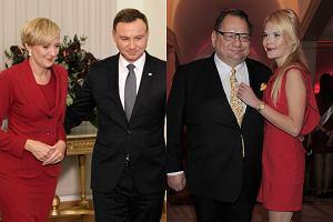 Obecnie najbardziej znaną parą w polskiej polityce jest bez wątpienia Andrzej Duda i jego małżonka Agata Duda. Tymczasem inne wybranki polityków równie często pojawiają się na salonach i towarzyszą swoim mężom na najważniejszych wydarzeniach. Wiecie, jak wygląda żona Antoniego Macierewicza albo Mariusza Błaszczaka? Koniecznie zajrzyjcie do naszej galerii!