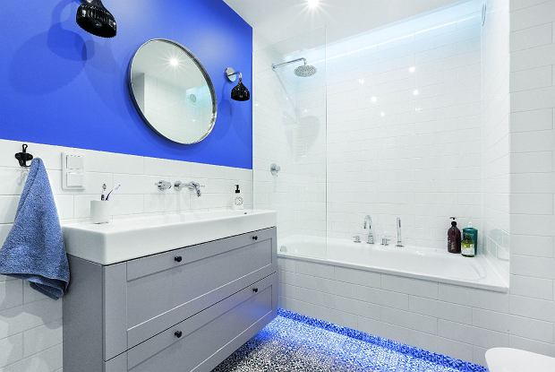 Wanna czy kabina prysznicowa? Najlepiej połączyć jedno z drugim