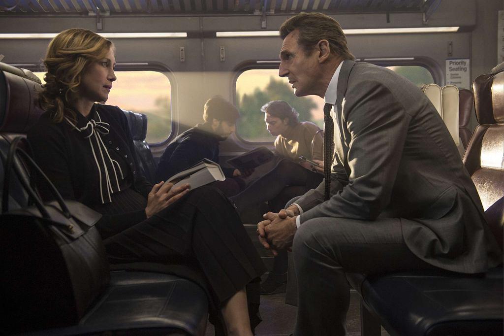 Liam Neeson i Vera Farmiga w filmie 'Pasażer' / Fot. Studio Canal / materiały prasowe Kino Świat