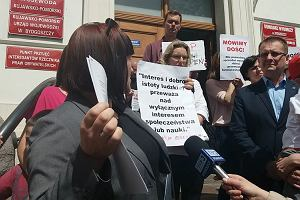 Protest przed Urzędem Wojewódzkim
