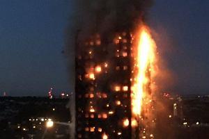 Londyn. Wielki pożar wieżowca wybuchł w nocy. Policja potwierdza: 12 osób nie żyje