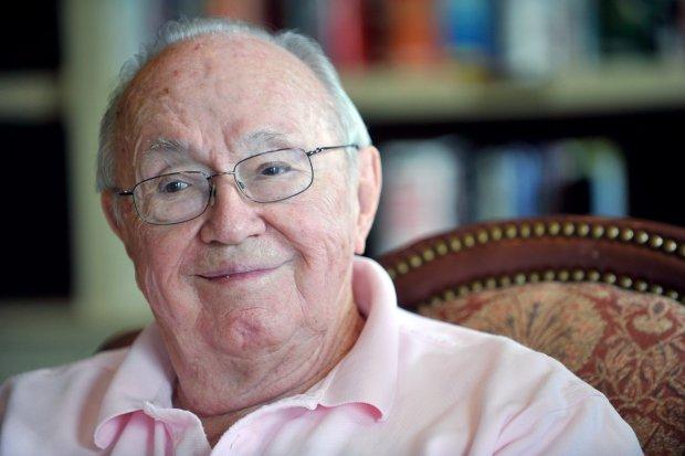Theodore Van Kirk, ostatni żyjący członek załogi