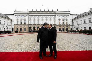 Poroszenko w Warszawie. Komorowski podpisa� ustaw� o ratyfikacji umowy stowarzyszeniowej UE-Ukraina