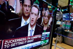 Pan Zuckerberg jedzie do Brukseli. Szef Facebooka będzie dziś tłumaczyłsię przed Parlamentem Europejskim