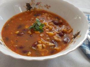 Chili con carne, czyli duszona wołowina z czerwoną fasolą