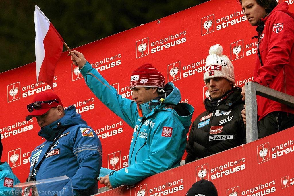 Trener polskich skoczków Łukasz Kruczek podczas konkursu skoków w Turnieju Czterech Skoczni . 6 styczeń 2014 , Bischofshofen , Austria