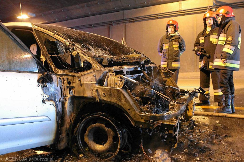 Pożar samochodu w tunelu Wisłostrady