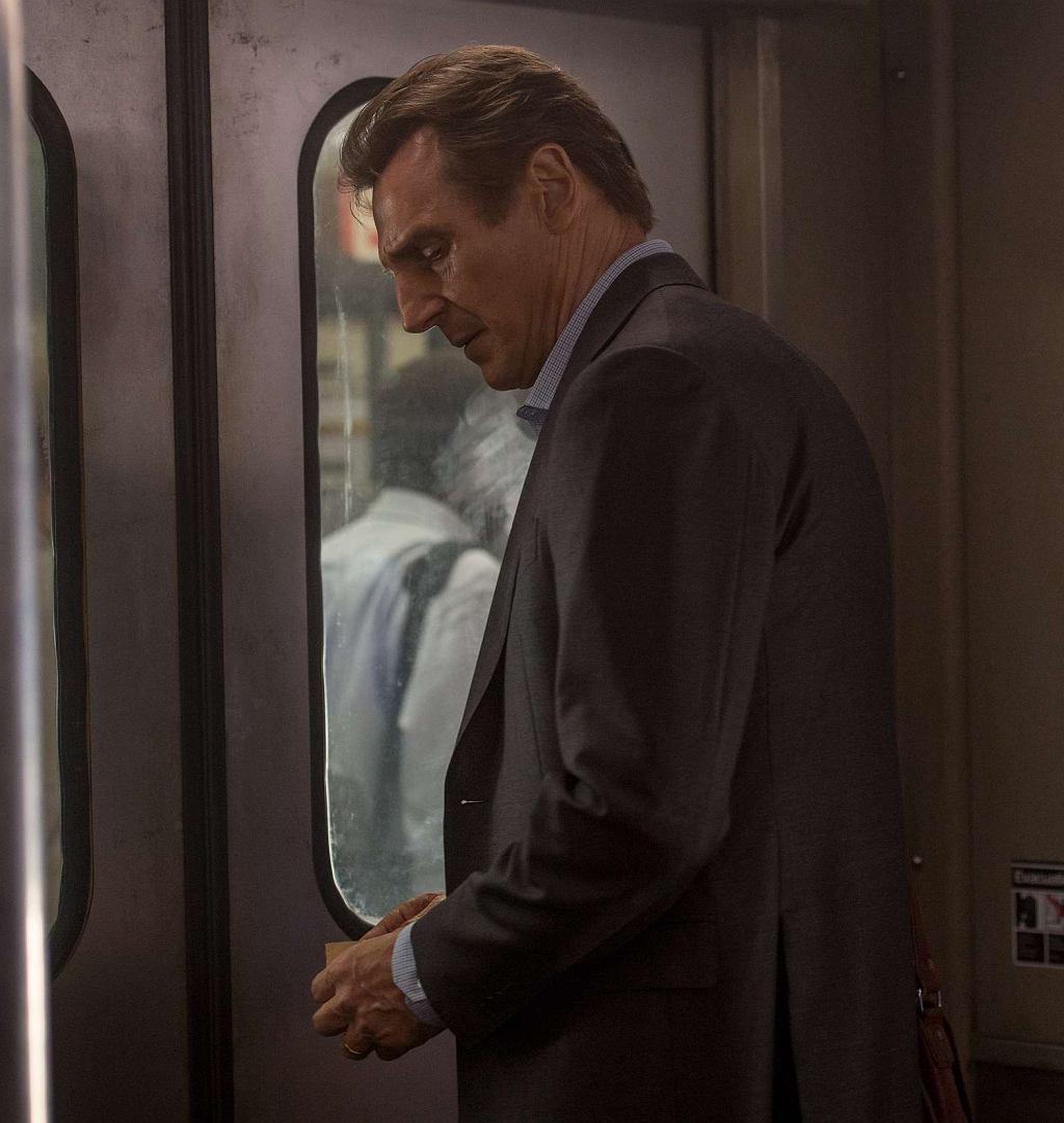Liam Neeson w filmie 'Pasażer' / Fot. Studio Canal / materiały prasowe Kino Świat