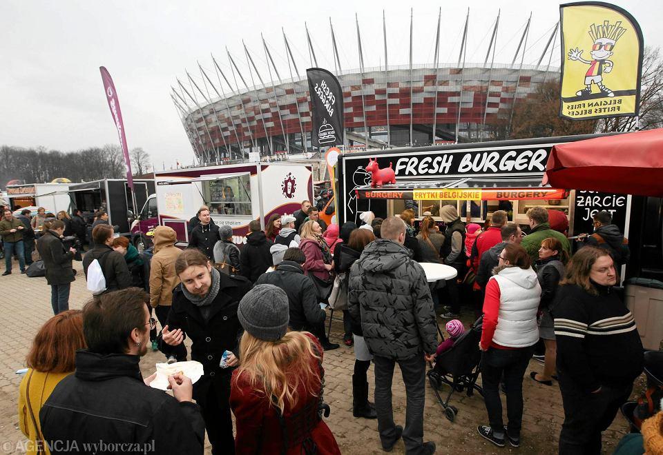 Zlot food trucków na Stadionie Narodowym Trwa smaczny weekend w stolicy [ZDJ