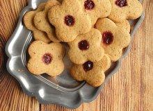 Kruche ciasteczka herbaciane z bor�wkami - ugotuj
