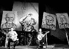 Przegląd Piosenki Prawdziwej ''Zakazane Piosenki'', Gdańsk 1981. Jacek Kaczmarski i Przemysław Gintrowski podczas występu.