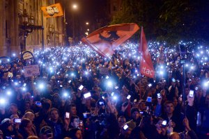 Koniec żartów na Węgrzech. 100 tys. ludzi protestuje przeciw podatkowi od internetu