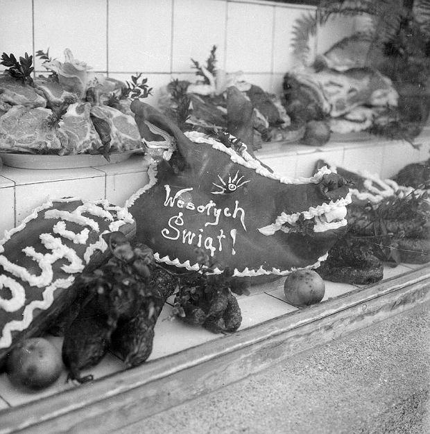 Wystawa w sklepie mięsnym, lata 70. XX wieku.