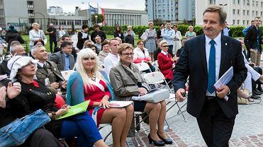 Narodowe czytanie 'Wesela' w Rzeszowie w 2017 roku. Bierze w nim udział m.in. poseł PiS Wojciech Buczak