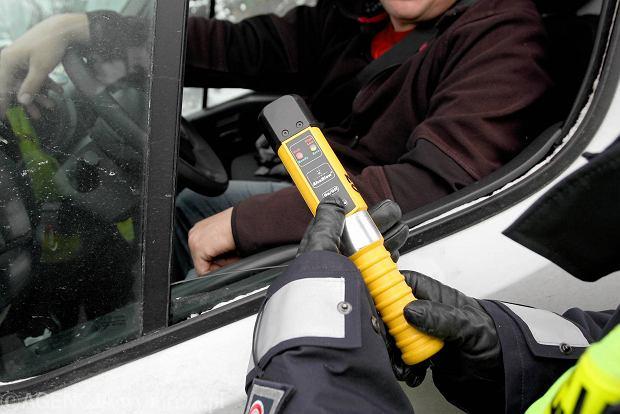 Surowsze kary dla kierowc�w nie tylko za alkohol. Utrata prawa jazdy za szybk� jazd�