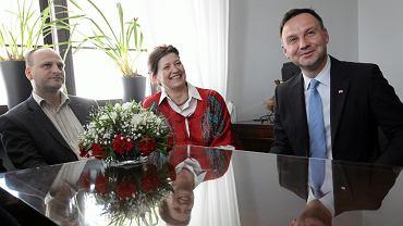 Kandydat na prezydenta Andrzej Duda podczas spotkania z kredytobiorcami poszkodowanymi przez banki . Warszawa, Senat, 15 maja 2015