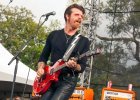 Eagles Of Death Metal wracaj� do Pary�a. Maj� co� dla tych, kt�rzy prze�yli atak na Bataclan