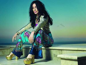"""Nim serial """"Dwie spłukane dziewczyny"""" zniknie z anteny, poznamy matkę jednej z bohaterek. W tej roli Cher."""