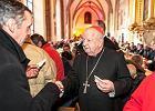 Polscy biskupi na pasterce. By�o o mi�o�ci, ale nie zabrak�o te� ideologii gender i celebryt�w, kt�rzy nie �piewaj� kol�d