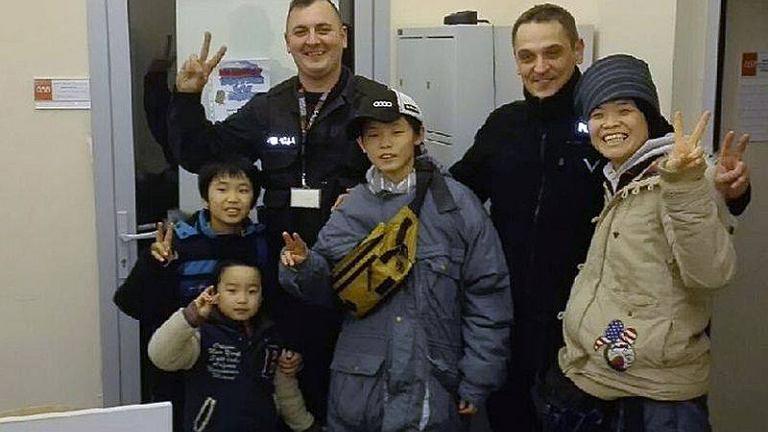 Lubuscy policjanci z rodziną 14-latka z Japonii