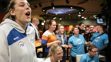 Na oficjalną przedsezonową prezentację siatkarek Atomu Trefl Sopot wybrano gdyński klub U7. Mistrzynie Polski spotkały się z kibicami, a także miały okazję zagrać z nimi w kręgle. Zapraszamy na galerię zdjęć (na zdjęciu Charlotte Leys)