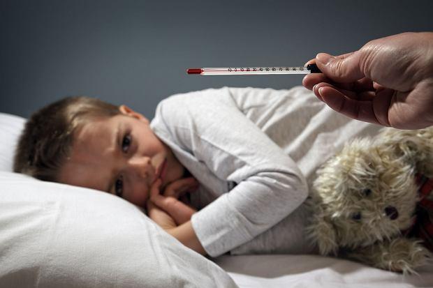 Kiedy dziecko jest chore, matka nie bierze zwolnienia
