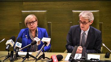Pierwsza Prezes Sądu Najwyższego prof. Małgorzata Gersdorf oraz sędzia Sądu Najwyższego Michał Laskowski podczas konferencji prasowej dotyczącej zmiany w ustawach o sądach, 15 listopada 2017.