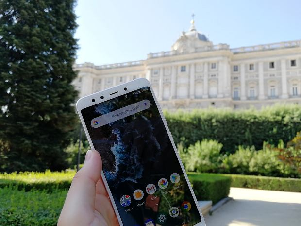 Nowy Xiaomi Mi A2 z Android One