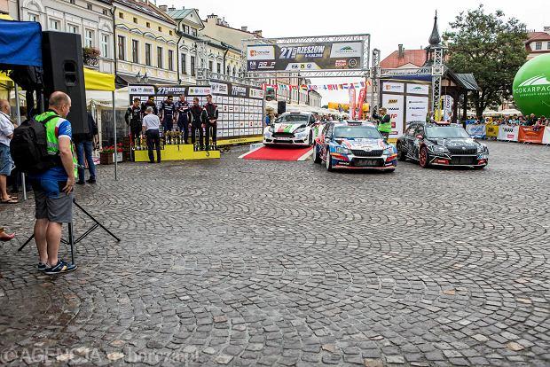 Zdjęcie numer 11 w galerii - 27. Rajd Rzeszowski. Nikolay Gryazin świętował zwycięstwo na rzeszowskim Rynku [GALERIA]