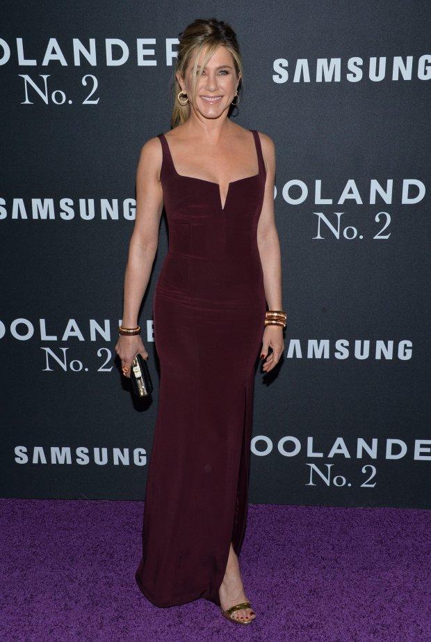 Zdjęcie numer 3 w galerii - Jennifer Aniston dawno nie wyglądała tak przeciętnie. Za to jej mąż skradł całe show.