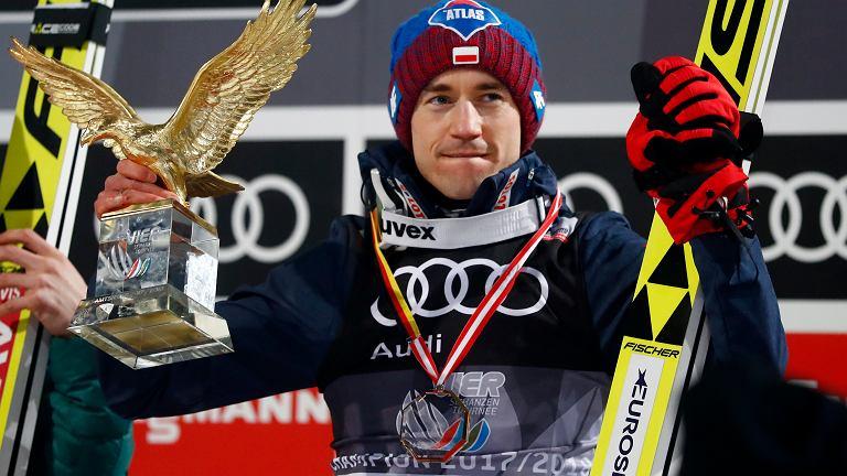 Kamil Stoch z nagrodą za zwycięstwo w Turnieju Czterech Skoczni.