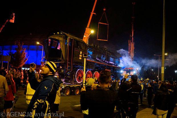 Zdjęcie numer 58 w galerii - Lech Poznań ma już swoją lokomotywę. Parowóz stanął przed stadionem przy Bułgarskiej