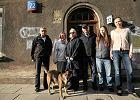 Komisja sprawdza Schroegera 72, dom przejęty z lokatorami