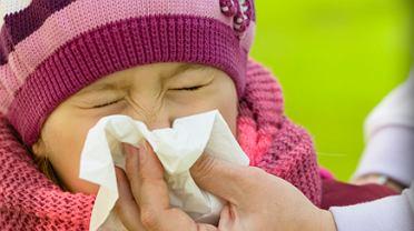 Zdarza się, że rodzice podrzucają chore dzieci do szkół i przedszkoli