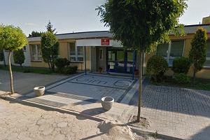 Gimnazjalista pobity w szkole walczy o �ycie. To by�a zemsta za dr�czenie pi�karek