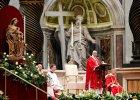 """Papie� Franciszek udzieli� �lubu 20 parom. """"Ma��e�stwo to nie serial"""" [ZDJ�CIA]"""