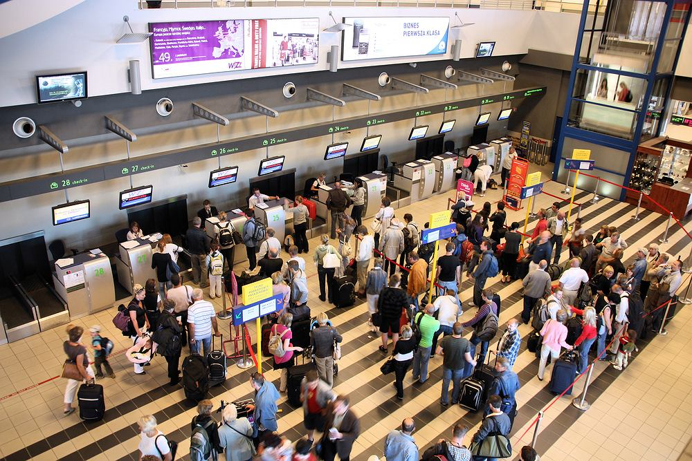 Lotnisko Katowice / shutterstock