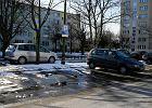 Prywatne miejsce parkingowe przy ulicy w Warszawie? To możliwe, ale bardzo drogie