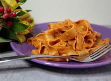 Parpadelle z kremowym sosem pomidorowym z mascarpone - ugotuj