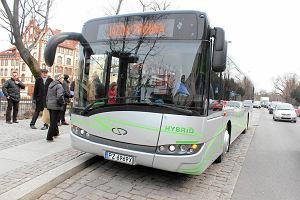 http://bi.gazeta.pl/im/1c/25/d0/z13640988M,Hybrydowy-autobus-Solaris-jest-na-testach-w-Opolu.jpg