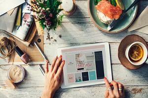 Jak kupować ubrania i dodatki przez internet?