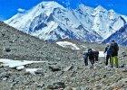 """""""W strefie �mierci, powy�ej 7900 metr�w, m�czy nawet odpoczywanie"""". """"Powr�t na Broad Peak"""" Hugo-Badera [FRAGMENT KSI��KI]"""