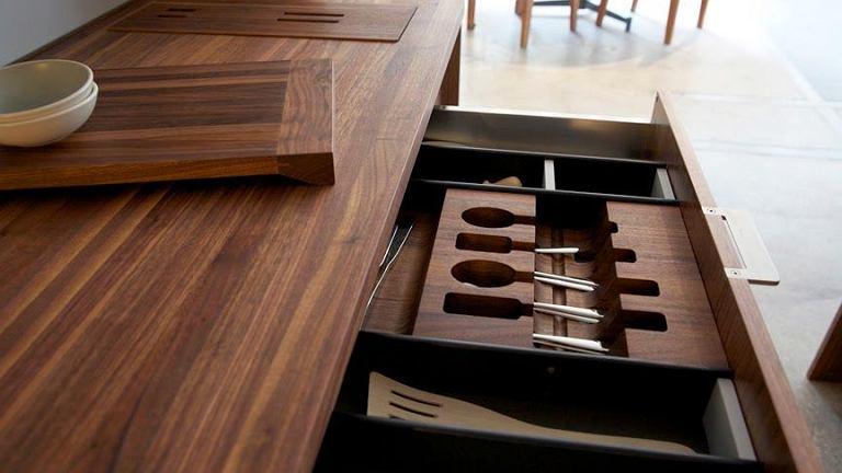 Nowa linia akcesoriów kuchennych do przechowywania i segregowania. Producent: Henrybuilt