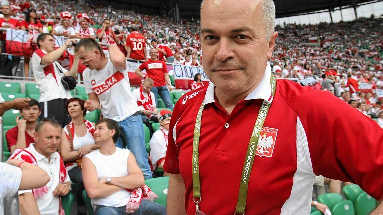 Komentator Tomasz Zimoch i kibice przed meczem Polska - Czechy, Euro 2012, Wrocław