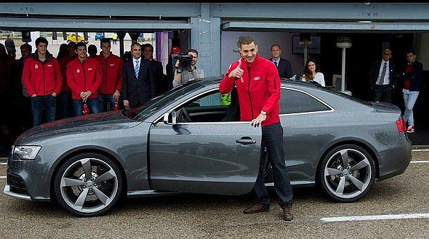 Karim zdecydował się na 450 konne coupe z silnikiem V8